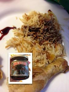 Ris kokt i kyckling med stekt lök, russin och vermicelli