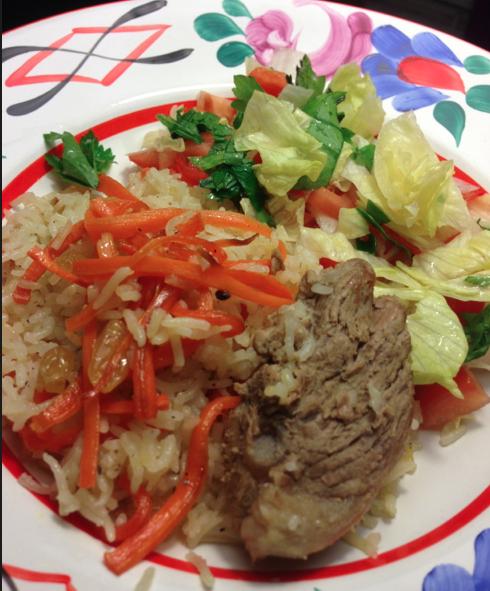 Kardemumma doftande ris med kött, russin och morötter (kabuli pilao)