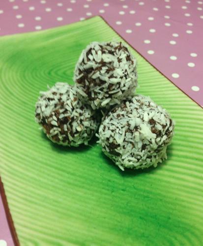 Dadel- och kokosbollar