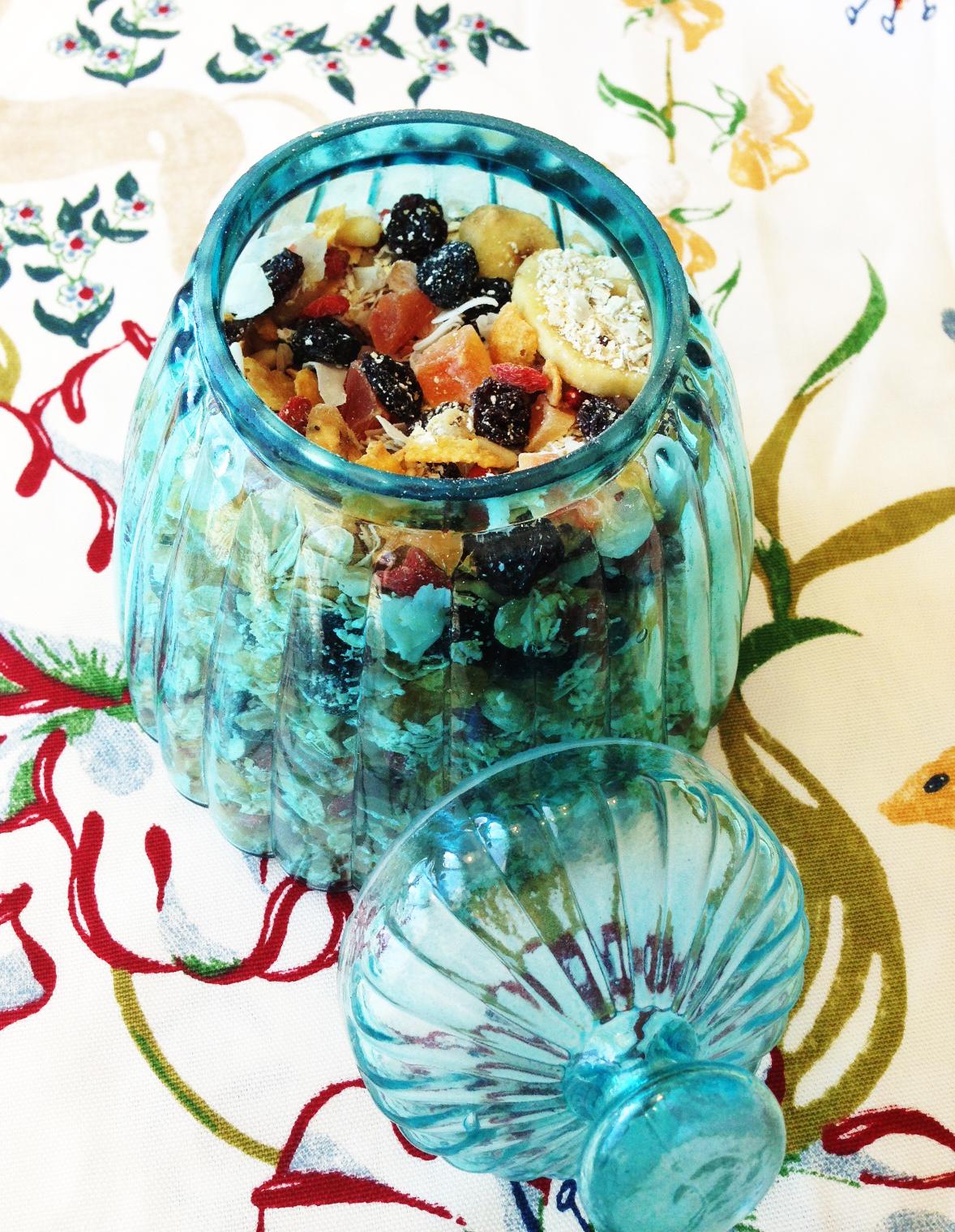 Gör egen müsli eller hälsosamt snack till kvällen