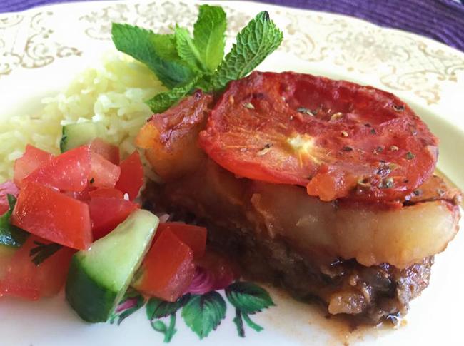 Ugnsbakad köfte med potatis och tomat (kafta bel saniyeh)