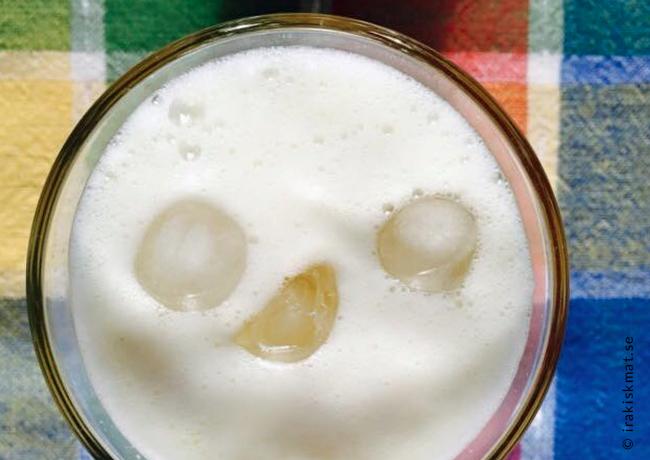 Läskande drink med ingefära och honung (mashroob al zanjabeel)