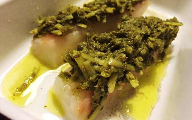 Torsk med pesto- och parmesantäcke