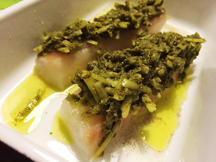 Jättegod torskrygg med pesto- och parmesantäcke